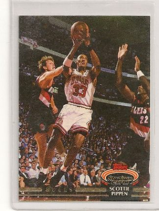 Scottie Pippen 1992-93 Topps Stadium Club Card #367
