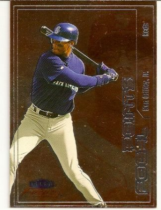 ken-griffey-jr-2000-fleer-focus-baseball-card