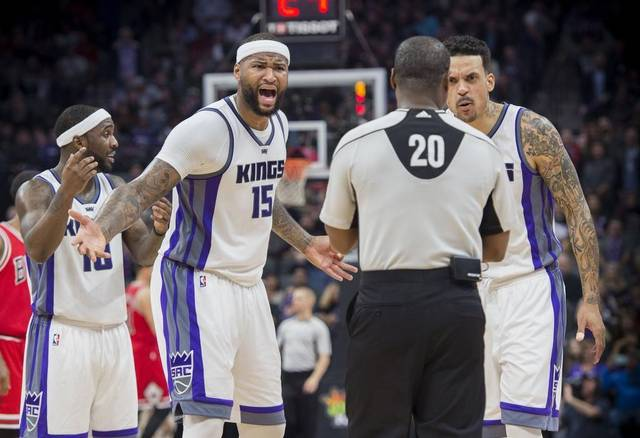 demarcus-cousins-yells-at-nba-referee