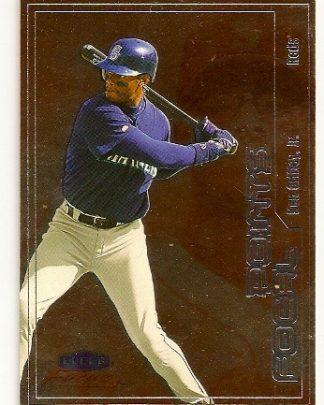 ken-griffey-jr-2000-fleer-focus-baseball-card